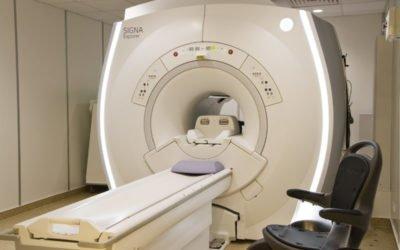 Dlaczego 1,5 T rezonans magnetyczny jest lepszy od 3 T?